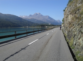 lakes and mountains riding in swiss riviera