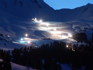 fllodlit night skiing lenzerheide