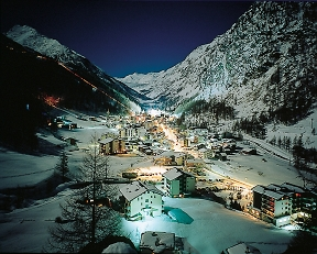 saas-fee-snow-evening